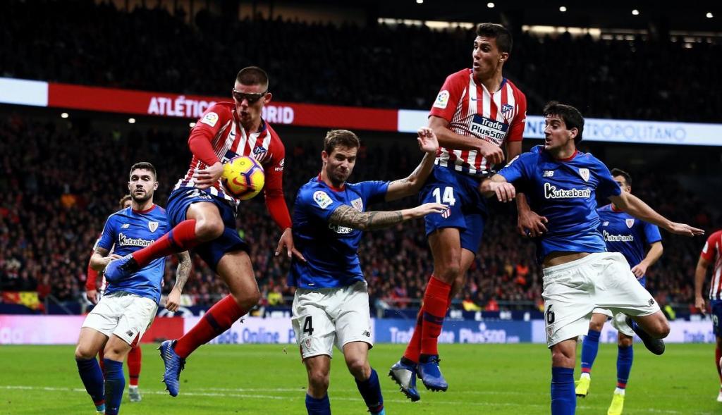 Atletico Madrid giữ vững ngôi đầu