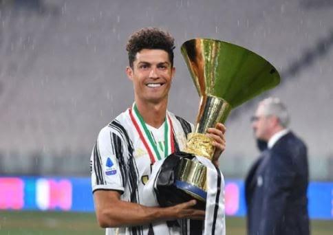 Chiếc cúp dành cho đội vô địch Serie A